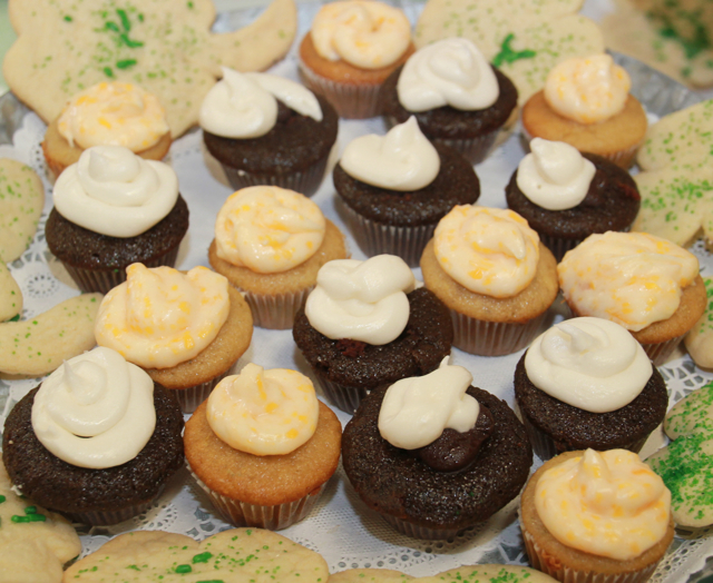 GANACHE-FILLED GUINNESS CHOCOLATE CUPCAKES WITH BAILEY'S IRISH CREAM FROSTING (1/2)